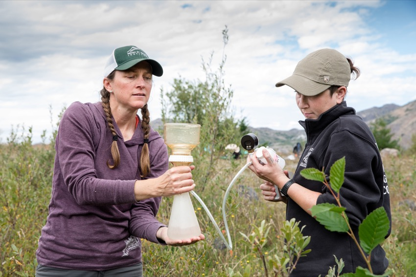 Evergreen Students Contribute to Groundbreaking Mount St. Helens Stream Research