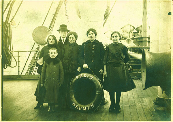 Austrian Jewish immigrants to Philadelphia, Feb. 1, 1913 on board ship SS_Rhein_coming from Bremen, Germany