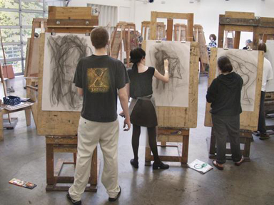 Photograph of students in Life Drawing