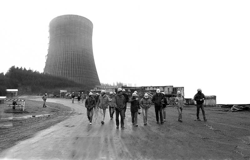 Faculty Member Oscar Soule and students visit the Satsop nuclear power plant construction site, early '80s.